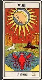 La diciottesima carta degli Arcani Maggiori dei Tarocchi: la Luna